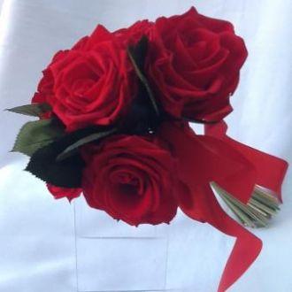 bouquet-6-rosas-vermelhas-naturais-preservadas-buquered