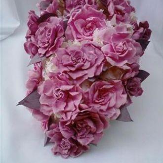 bouquet-cascata-gardenias-e-hortensias-naturais-preservadas-buquecherry-blossom