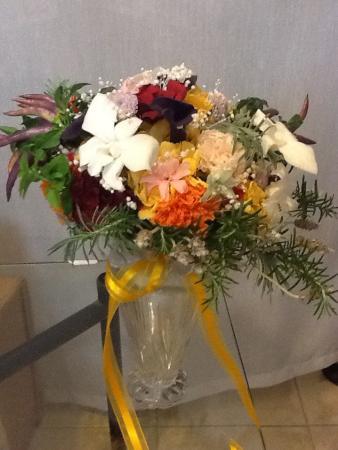 bouquet-de-flores-naturais-preservadas-e-ervas-cor-unica