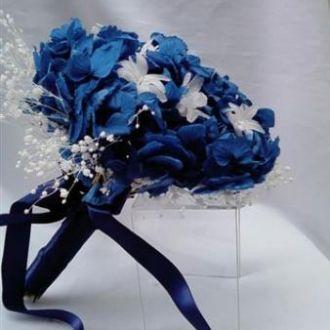 bouquet-de-hortensias-azul-forte-nardos-e-mosquitinho-preservadoblue