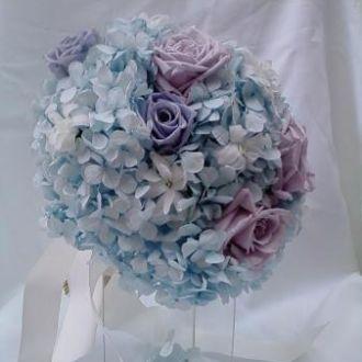 bouquet-hortensia-azul-clara-rosas-lilas-e-nardos-naturais-preservadas-buquelight-blue
