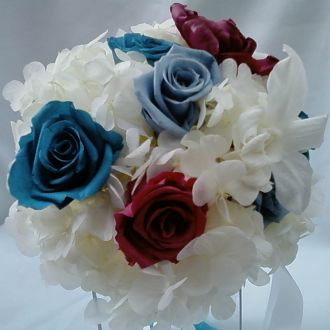 bouquet-hortensia-branca-e-rosas-turquesa-e-cramberry-naturais-preservadas-buque-cor-unica