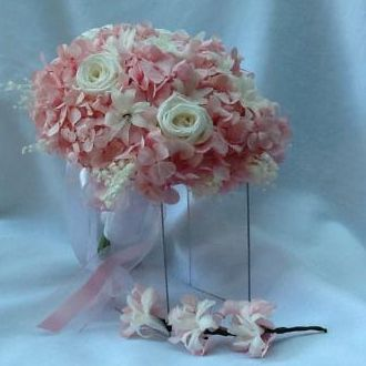 bouquet-hortensia-rosa-clara-e-rosa-brancas-flores-naturais-preservadas-buquelight-pink