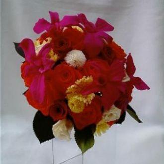 bouquet-rosas-multicoloridas-em-degradee-preservadas-e-orquideas-pink-buque-cor-unica