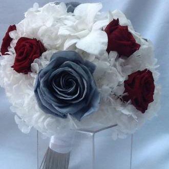 bouquet-rosas-vermelhas-e-azuis-naturais-preservadas-buque-cor-unica