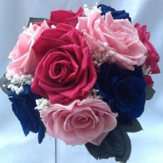 bouquet-tons-de-rosa-e-azul-marinho-flores-preservadas-buque-cor-unica