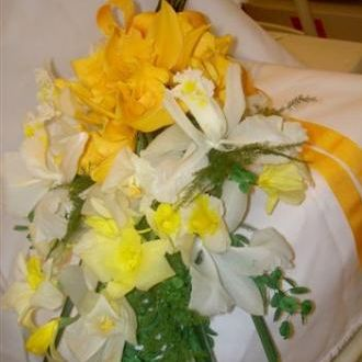 bouquetdeorquideasamarelasgoldenyellow