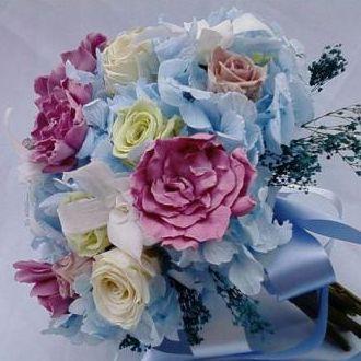bouquetderosasgardeniasehortenciasalinebarbosacorunica