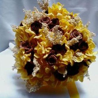 bouquethortensiaamarelaerosasbabychocolategoldenyellow