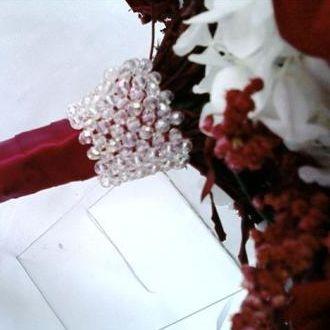 acabamento-de-bouquet-com-cristais-cor-unica