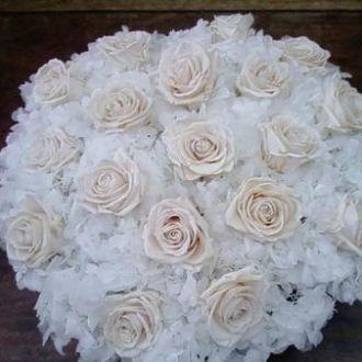 arranjo-de-hortensias-rosas-e-gardenias-preservadas-e-desidratadoswhitebranco