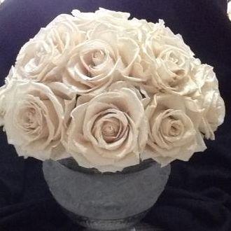 arranjo-de-rosas-naturais-preservadas-porcelanaporcelain