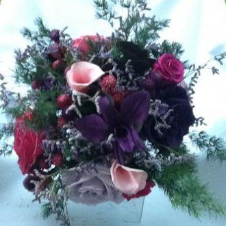 bouquet-buque-de-noiva-roxo-e-lilas-flores-preservadas-cor-unica