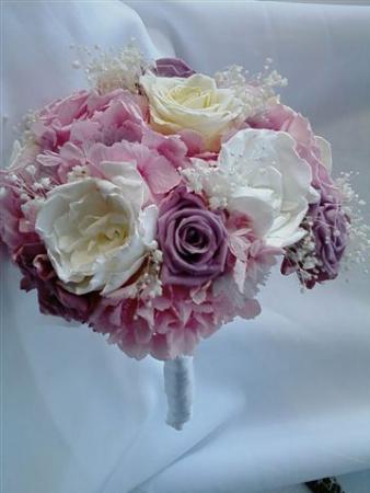 bouquet-de-hortensia-gardenias-e-rosas-naturais-preservadaslavander