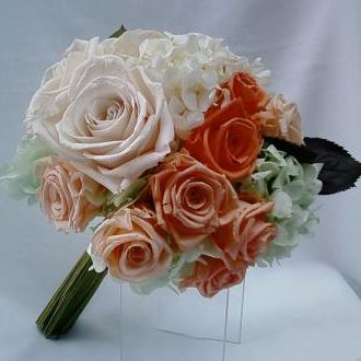 bouquet-desconstruido-de-rosas-e-hortensias-naturais-preservadas-buquelight-orange