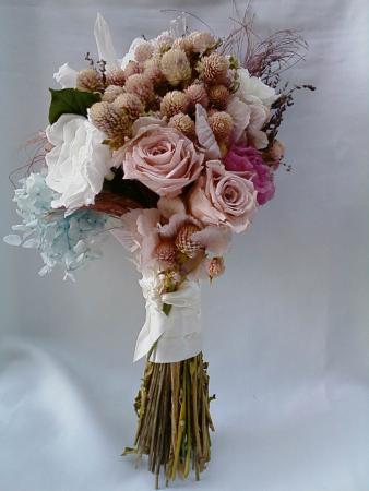 bouquet-desconstruido-flores-naturais-preservadas-e-desidratadas-buque-cor-unica