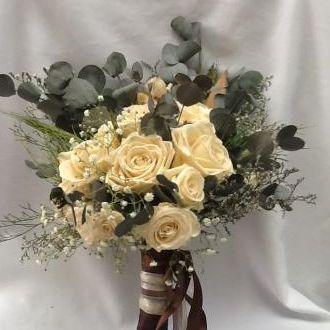 bouquet-desconstruido-rosas-off-white-flores-naturais-preservadas-buqueporcelain
