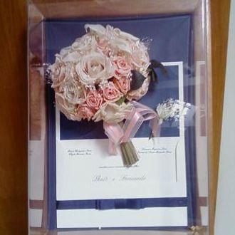 bouquet-flores-naturais-preservadas-no-quadro-buque-cor-unica