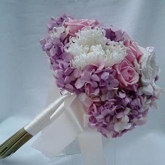 bouquet-hortensia-branca-rosa-e-lilas-gardenias-rosas-e-crisantemos-naturais-preservados-buque-cor-unica