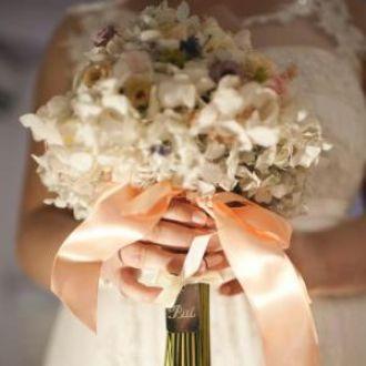 bouquet-mini-rosas-mini-crisantemos-e-hortensiaslight-blue