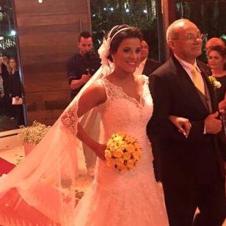 bouquet-rosas-amarelas-preservadas-casamento-leide-caetano-de-araujoyellow