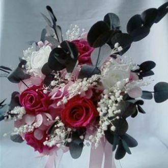bouquet-rosas-cor-de-rosa-claro-pink-mosquitinhos-e-eucalipto-cheiroso-buquegypsy-pink