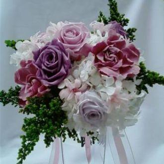 bouquet-rosas-lilas-e-cor-de-rosa-gardenias-e-nardos-preservados-buquelavander