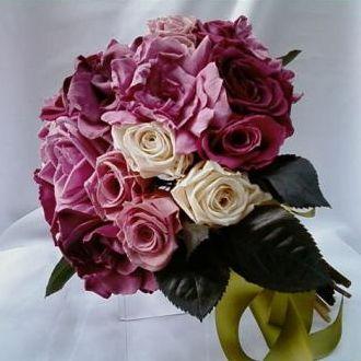 bouquetdegardeniasrosaspremiumefolhascramberry