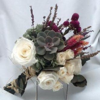 buque-bouquet-de-rosas-preservadas-lavandas-e-suculenta-cor-unica