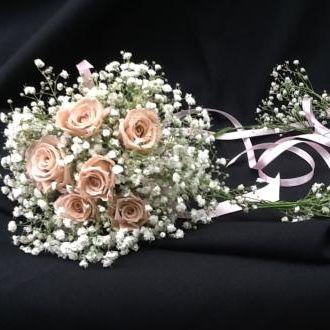 buque-daminha-nude-de-flores-naturais-preservadas-e-mosquitinho-fresco-bouquet-cor-unica