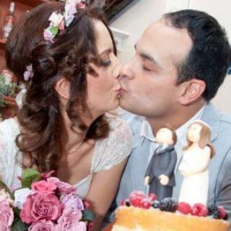 buque-e-coroa-flores-preservadas-no-casamento-patricia-marques-bouquet-cor-unica