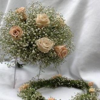 buque-e-tiara-guirlanda-mosquitinho-com-flores-naturais-preservadas-cor-unica
