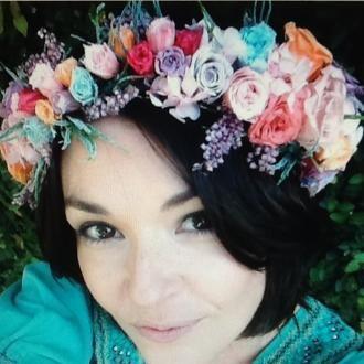 coroa-de-flores-preservadas-cheia-by-vivian-andersen-cor-unica