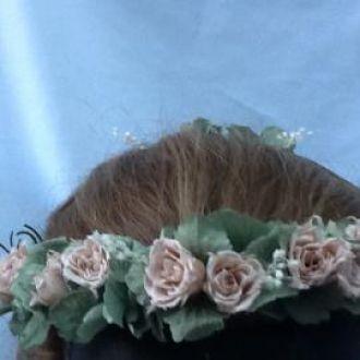 coroa-flores-preservadas-rosinhas-nude-e-hortensia-verde-seco-guirlanda-cor-unica