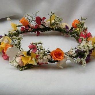 coroa-guirlanda-tiara-multicolorida-de-flores-naturais-preservadas-cor-unica
