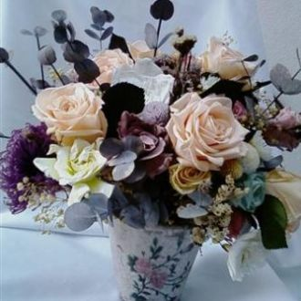 curso-de-montagem-de-flores-naturais-preservadas-importadas-cor-unica
