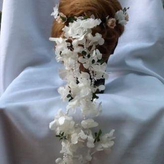 guirlanda-branca-e-nude-de-flores-naturais-preservadas-coroa-cor-unica