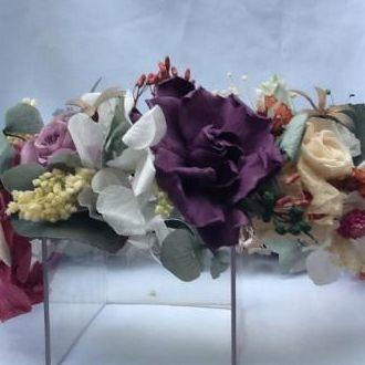 guirlanda-colorida-de-flores-naturais-preservadas-cor-unica