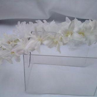 guirlanda-de-nardos-cravos-e-hortensias-brancas-preservadas-coroa-de-frentewhitebranco
