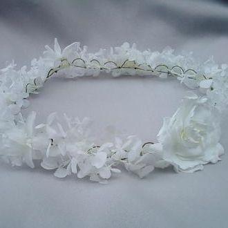 guirlanda-delicada-hortensias-brancas-nardos-e-gardenia-natural-preservada-coroawhitebranco