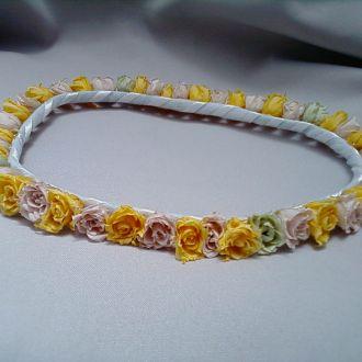 guirlanda-rosinhas-amarelas-nude-e-pistache-naturais-preservadas-coroa-cor-unica