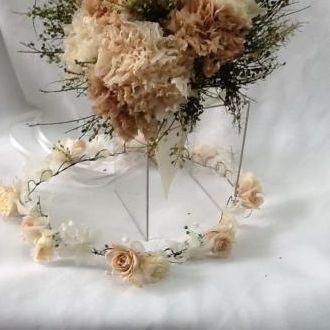 guirlanda-rosinhas-nude-e-off-white-naturais-preservadas-coroa-cor-unica