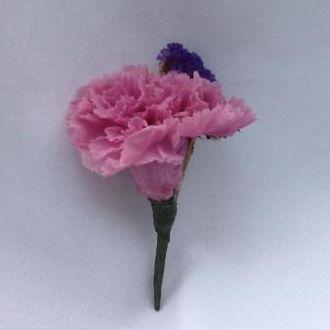 lapela-cravo-rose-com-estatice-roxacherry-blossom