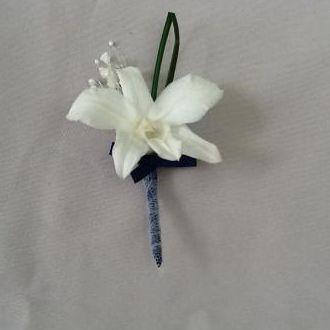 lapela-orquidea-dendrobium-preservada-com-tule-e-mosquitinhowhitebranco