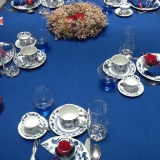 mesa-de-cha-de-natal-com-as-amigasred