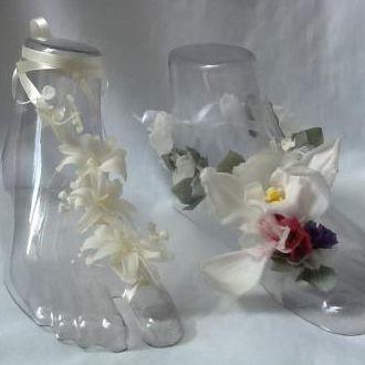 sandalias-pes-na-areia-para-a-praia-flores-naturais-preservadas-barefoot-sandalswhitebranco