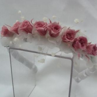 tiara-8-rosinhas-rosa-seco-claro-e-mosquitinhos-preservadascherry-blossom