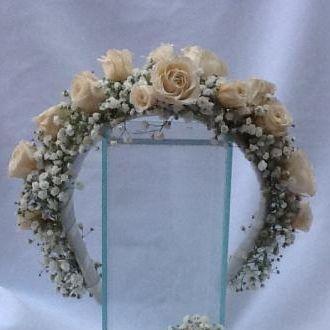 tiara-de-mosquitinhos-frescos-e-rosinhas-naturais-preservadaswhitebranco