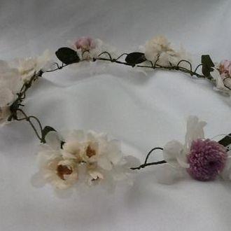 tiara-guirlanda-lilas-e-branca-de-flores-naturais-preservadas-cor-unica