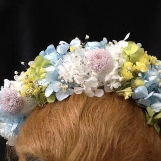 tiara-multicolorida-de-flores-naturais-preservadas-cor-unica